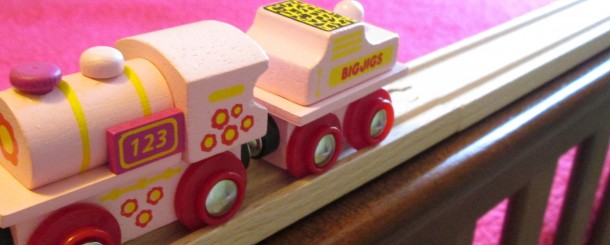 Today's Hint: An Easy DIY Train Table for Your Child's Room